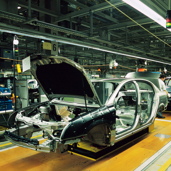 car production in April fell by 44.5%