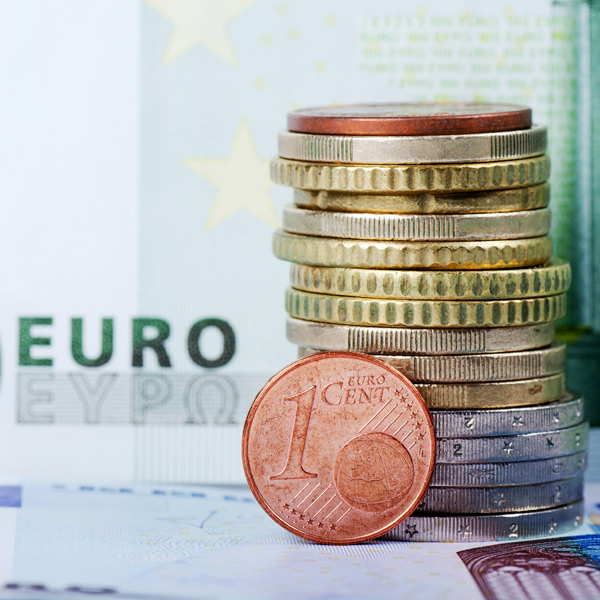 Brexit news key for Euro against Sterling