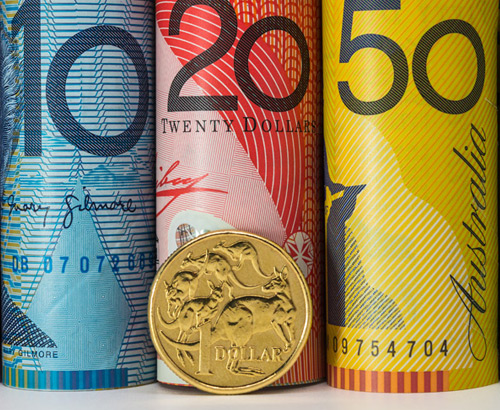 Aussie Dollar Weakens on US News