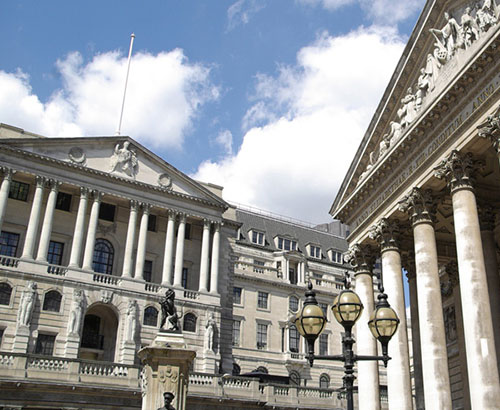 BoE Sets Path to Negative Rates as COVID-19 Lockdowns Beckon