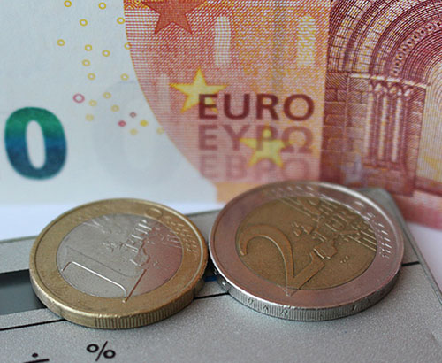 Euro Weakness after Manufacturing Drops