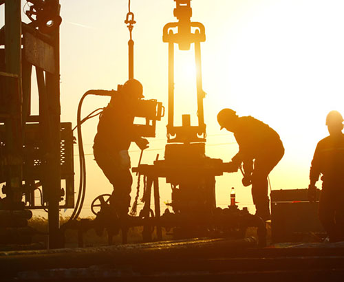 Rise in oil prices boosts CAD