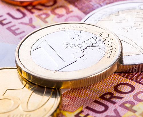 EUR under pressure as hits one-year low against the USD