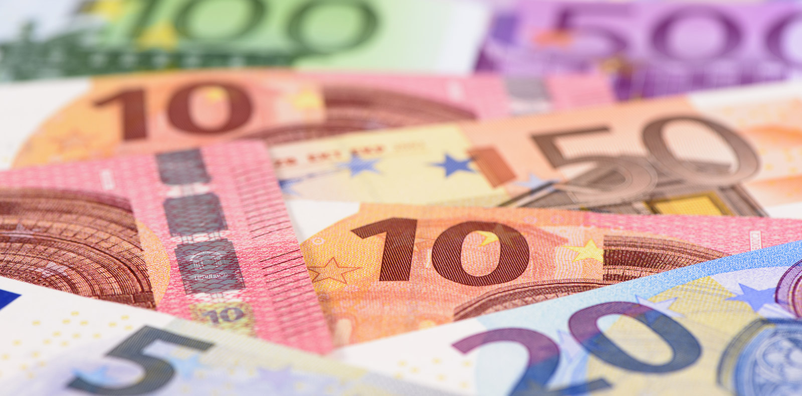 Underlying Eurozone weakness sees EUR/USD drop