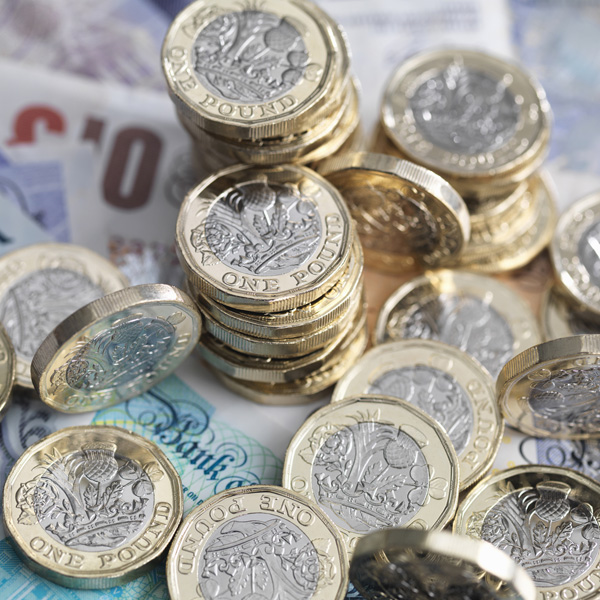When to buy foreign currency with pounds?