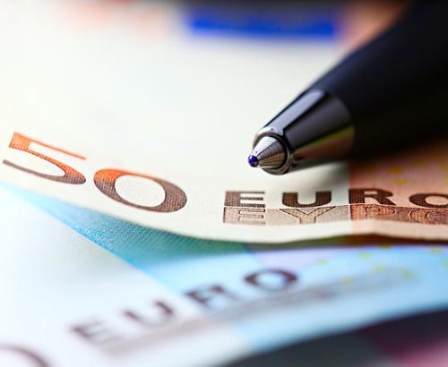 Underlying Eurozone weakness sees EUR/USD fall