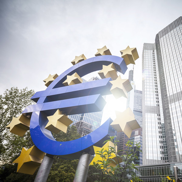 Eueopean Central Bank highlight Inflation concerns that weaken EUR